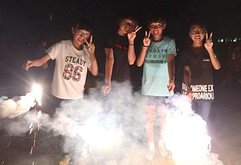 夏キャンプはやっぱり花火♪