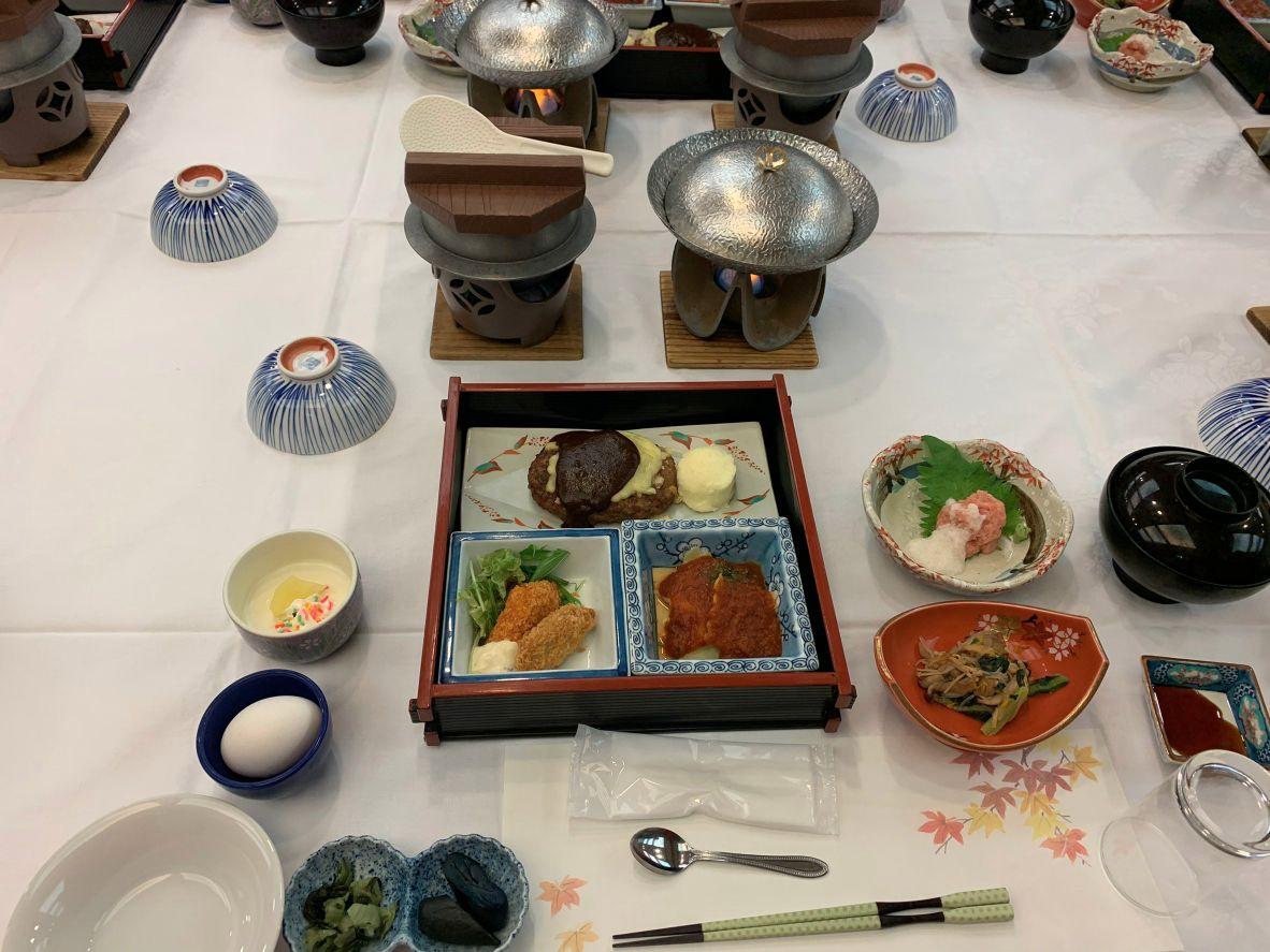 さんさ亭の豪華な食事!